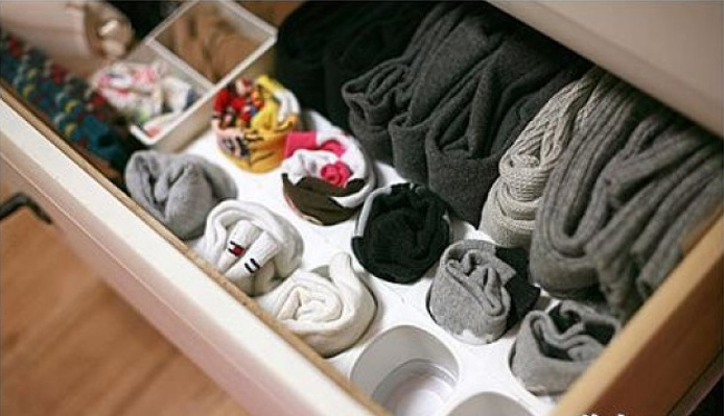 25 ideas, tips and tricks to organize your home, on a budget! Easy and inexpensive organizing ideas for every space in your place! Budget home organization ideas | Home organization on a budget | Home organization hacks | Organize your house on the cheap!! Clutter your kitchen, bedroom, bathroom & more all while on a budget!! #organization #organizing #organizingideas #organize #organized #declutter #home #homeorganization #budgethomeorganization #diy #diyhomeorganization